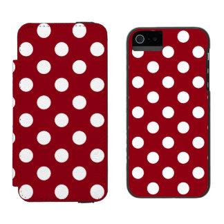 Lunares blancos en rojo carmesí funda cartera para iPhone 5 watson