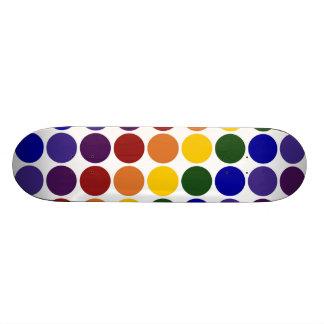 Lunares del arco iris en blanco monopatín 20 cm