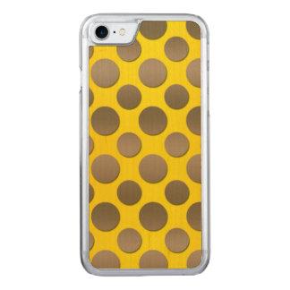 Lunares del oro en fondo del oro funda para iPhone 7 de carved