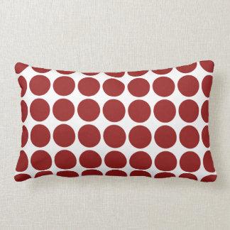 Lunares rojos en blanco almohadas