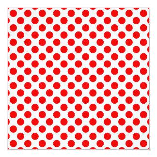 Lunares rojos invitación 13,3 cm x 13,3cm