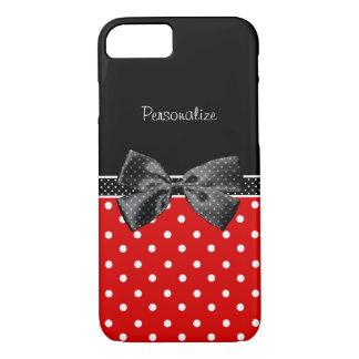 Lunares rojos y negros femeninos con el arco y el funda iPhone 7