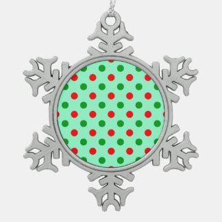 Lunares rojos y verdes adorno de peltre en forma de copo de nieve