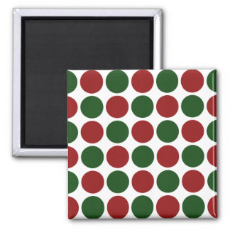 Lunares rojos y verdes en blanco imán cuadrado