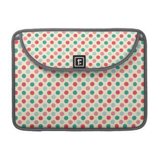 Lunares verdes, rojos, rosados, y azules fundas macbook pro