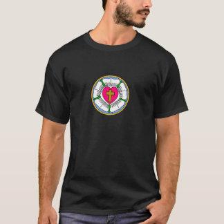 Lutheran subió camiseta