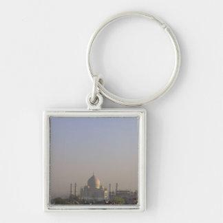 Luz de la madrugada en la bóveda del Taj Mahal Llavero Cuadrado Plateado