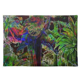 Macaws en paraíso tropical en la noche salvamanteles