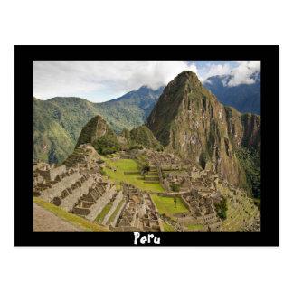 Machu Picchu, ciudad del inca en la postal negra