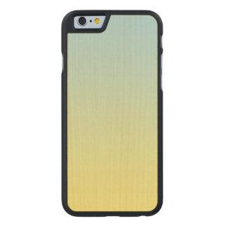 Madera azul y amarilla del arce funda de iPhone 6 carved® slim de arce