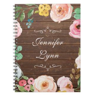 Madera rústica personalizada y cuaderno floral