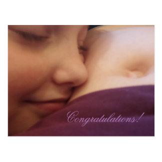 Madre e hija, tarjeta del embarazo postal
