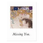 Madre y niño, faltándole postales