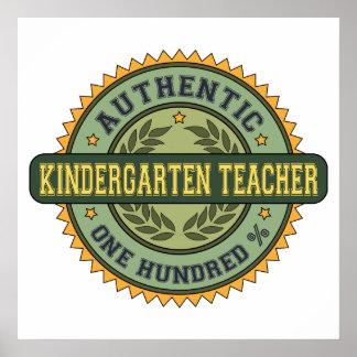 Maestro de jardín de infancia auténtico poster
