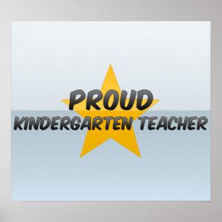 Maestro de jardín de infancia orgulloso impresiones