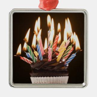 Magdalena con las velas del cumpleaños adornos