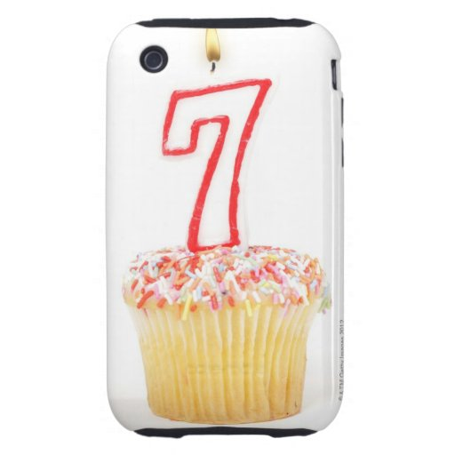 Magdalena con una vela numerada 7 del cumpleaños iPhone 3 tough protector