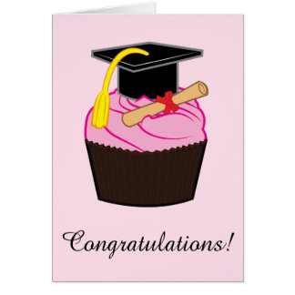 Magdalena de la graduación con el diploma tarjeta de felicitación