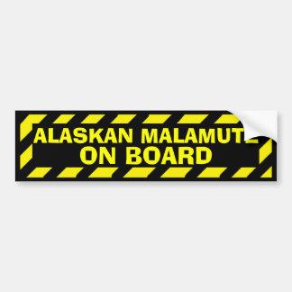 Malamute de Alaska a bordo el pegatina amarillo de