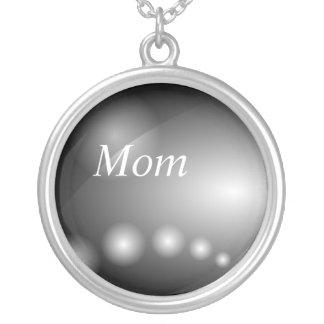 Mamá, collar abstracto de acero negro industrial