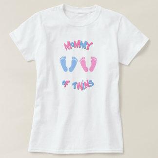 Mamá de las huellas gemelas de los bebés camisetas
