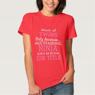Mamá divertida de los bebés del múltiplo de los camisetas