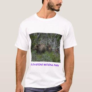 Mamá Grizzly y Cubs Camiseta