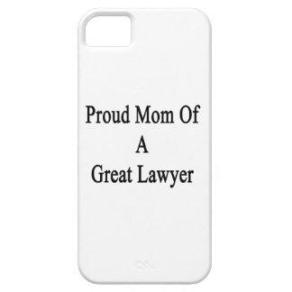 Mamá orgullosa de un gran abogado