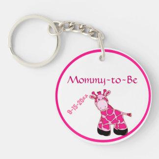 Mamá rosada adorable de la jirafa a ser fiesta de llavero redondo acrílico a doble cara