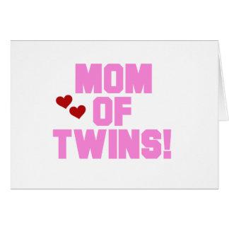 Mamá rosada del texto de gemelos tarjeta de felicitación
