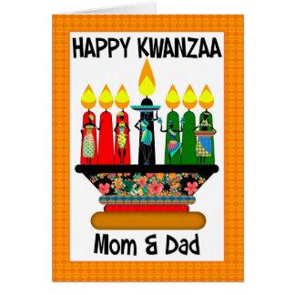 Mamá y papá, velas de Kwanzaa y hembras Tarjeta De Felicitación