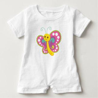 Mameluco bonito del bebé de la mariposa