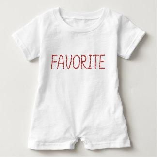 Mameluco del bebé con favorite de las letras el ' camiseta