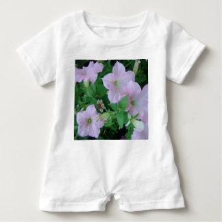 Mameluco del bebé del *Petunia* Camisetas