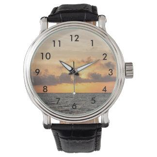 Mañana de la playa de la locura reloj de pulsera