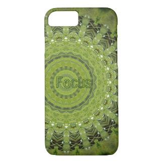 Mandala de la hierba verde con el foco funda iPhone 7