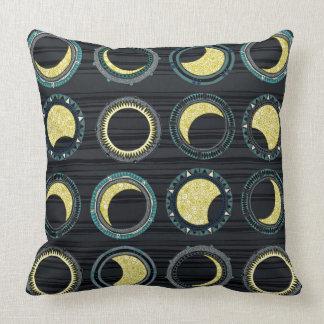 mandala del eclipse solar cojín decorativo