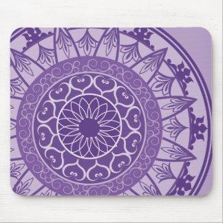 Mandala en púrpura alfombrilla de ratón