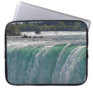 Manga de la cascada y del ordenador portátil de Ni Funda Ordendadores