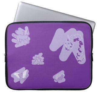 Manga púrpura del ordenador portátil con bosquejos funda para ordenador