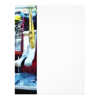 Mangueras en coche de bomberos tarjetón