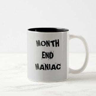 Maniaco del fin de mes - taza enojada del contable