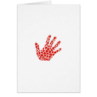 mano con los corazones rojos tarjeta de felicitación
