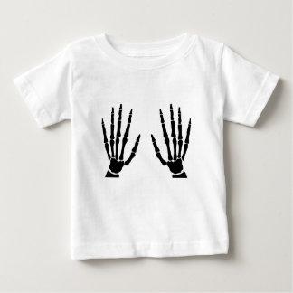 Manos del hueso aisladas camiseta de bebé