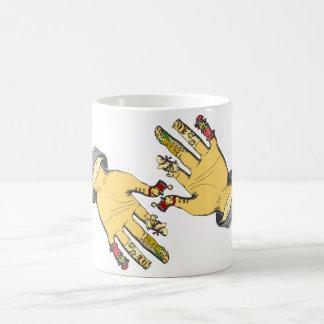 Manos principales. ¡Última taza de café!