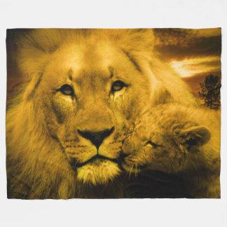 Manta de encargo del león y del paño grueso y