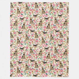 Manta de la impresión floral de Airedale Terrier