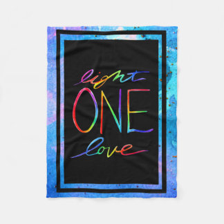 Manta del amor de la luz una con el fondo azul