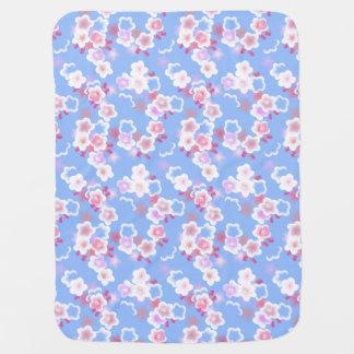 Manta floral azul linda del bebé