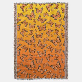 Manta Mariposa de monarca anaranjada vibrante de Ombre